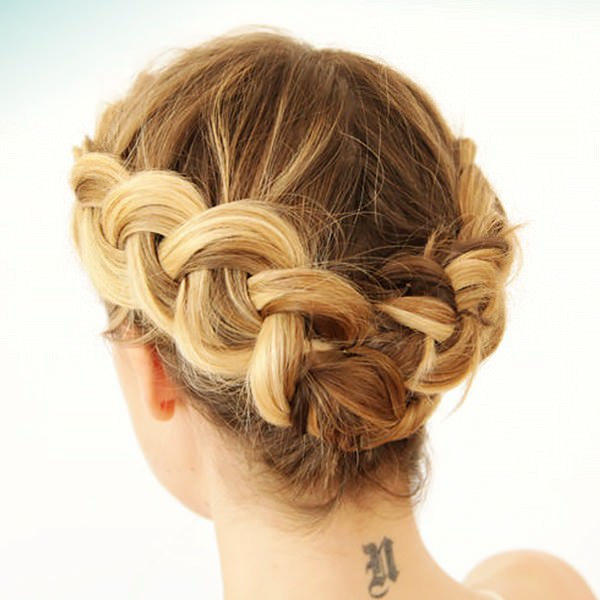 8-braids-that-look-amazing-on-short-hair-1594038.600x0c